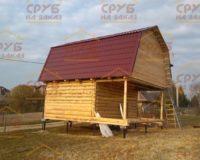 Сруб бани 4 на 5 с верандой и ломаной крышей