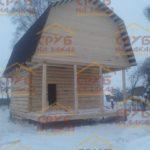 сруб дома 5 на 5 с верандой и ломанной крышей (1)