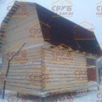 сруб дома 5 на 5 с верандой и ломанной крышей (2)