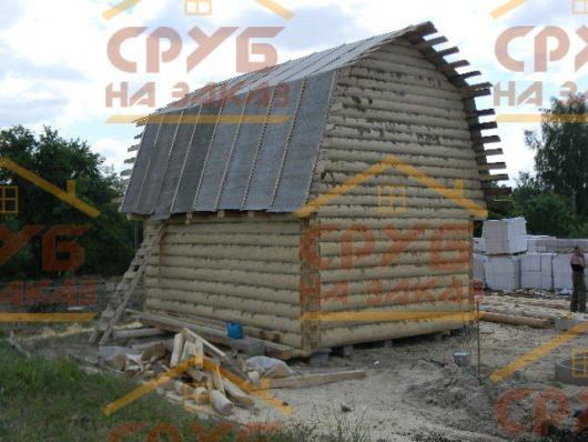 Сруб бани 3 на 5 с ломаной крышей