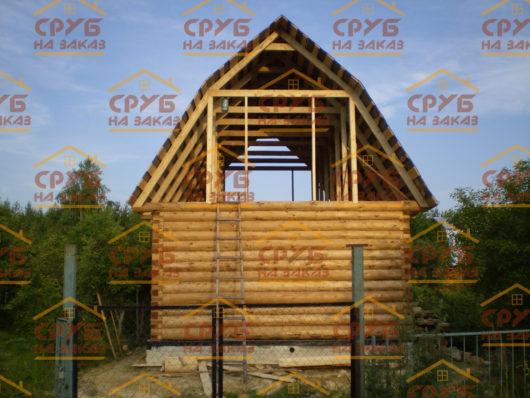 Сруб бани 4 на 4 с ломаной крышей