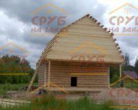 Сруб бани 5 на 6 с верандой и ломаной крышей