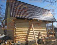 Сруб бани 5 на 5 с верандой и ломаной крышей