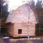 сруб дома 4 на 5 с ломанной крышей (3)
