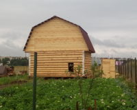 Сруб дома 6 на 6 с ломаной крышей